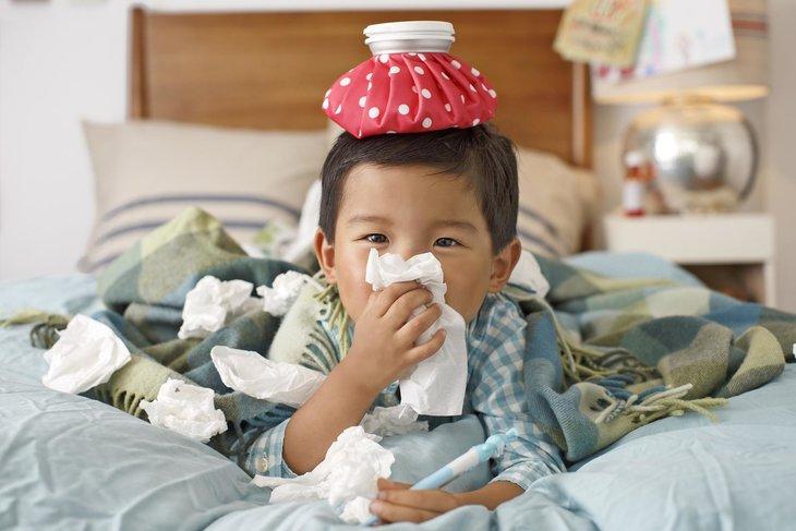 Lạnh là một trong những nguyên nhân khiến trẻ bị viêm amidan