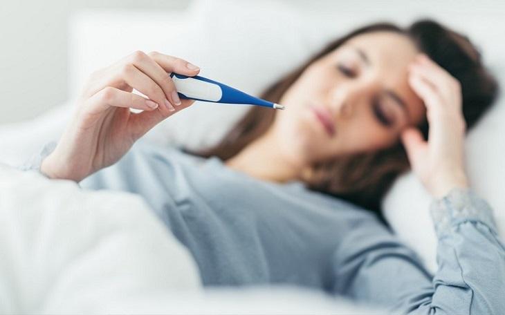 Sốt sau khi cắt amidan có thể xảy ra với bệnh nhân có đề kháng kém