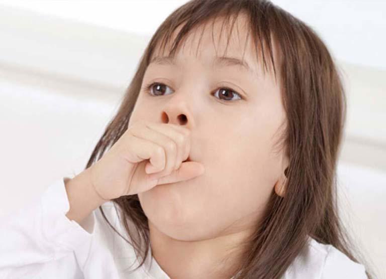 Trẻ bị viêm amidan ho nhiều